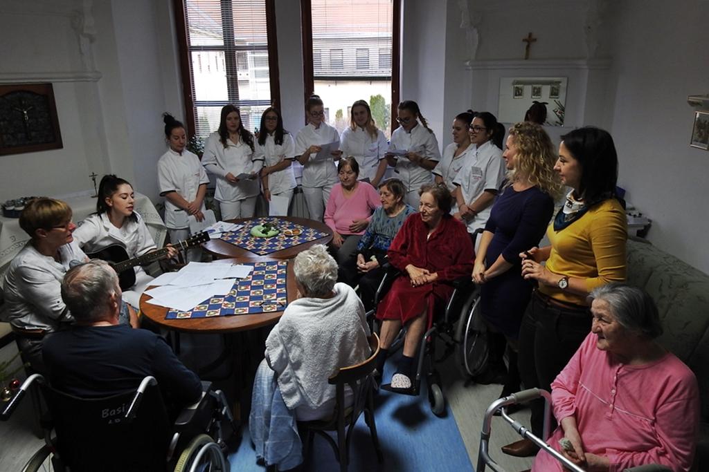 liječnici koji se druže sa studentima medicine
